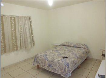 CompartoDepa MX - Habitacion centrica amueblada con baño, Aguascalientes - MX$2,200 por mes