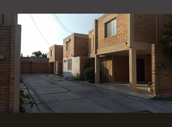 CompartoDepa MX - REPUBLICA ORIENTE-SALTILLO- HABITACIONES PARA PERSONAS SERIAS, Saltillo - MX$2,750 por mes