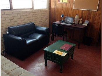 CompartoDepa MX - Busco compañera de casa limpia y tranquila. Depto amueblado y bien ubicado., Tuxtla Gutiérrez - MX$1,550 por mes