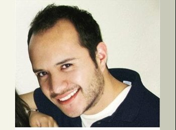 Rodrigo  - 31 - Profesional
