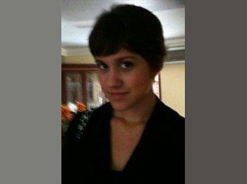 Tania - 23 - Profesional