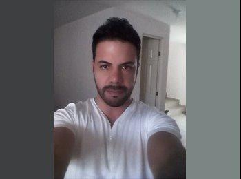 Eduardo  - 35 - Profesional