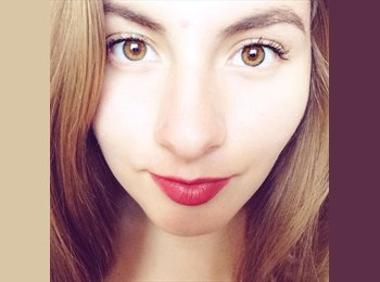 Jocelyne Alejandra - 18 - Estudiante