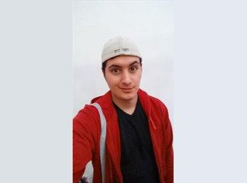 Erick - 21 - Estudiante