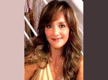 Angie - 42 - Profesional