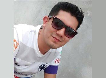 Salvador - 26 - Estudiante