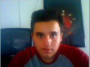 Daniel  - 19 - Estudiante