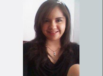Ángela - 20 - Estudiante