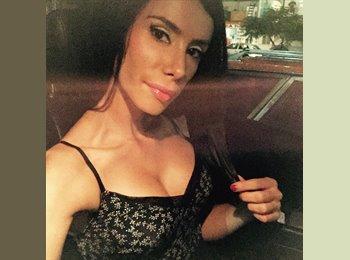 Penelope Romero  - 27 - Profesional