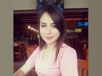 Andrea  - 21 - Estudiante