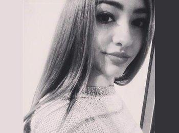 Elenea - 20 - Estudiante
