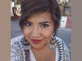 Adriana  - 24 - Profesional