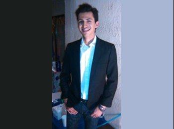 Carlos Roberto  - 30 - Estudiante