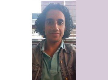 Joel Arredondo Sainz  - 25 - Estudiante