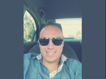CompartoDepa MX - Adrian Dorantes - 33 - Cancún