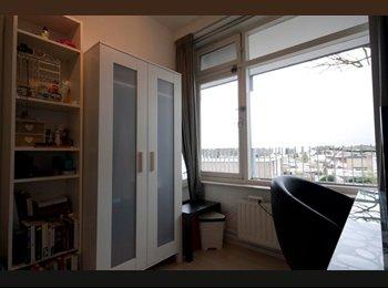 EasyKamer NL - Kmr 13,5 m² in 5kmr appart. Statenlaan Tilburg, Tilburg - € 365 p.m.