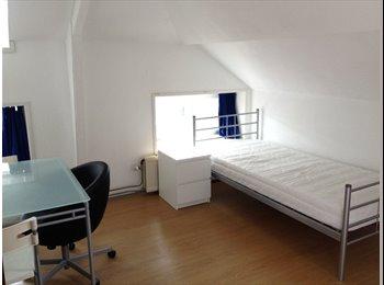 EasyKamer NL - Mooie gerenoveerde kamer 14-15m2 - Nieuwe Werk, Rotterdam - € 470 p.m.
