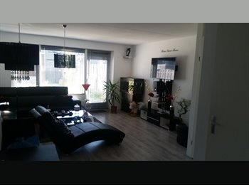 EasyKamer NL - Per direct kamer te huur! - Almere, Almere - € 400 p.m.