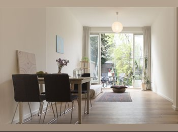 EasyKamer NL - Loft apartment with garden along canal in centre - Noord en Noordwest, Utrecht - € 1.450 p.m.