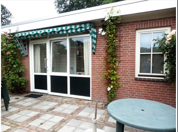 EasyKamer NL - Luxe kamer in zelfstandige woonunit. - Emmen, Emmen - € 315 p.m.