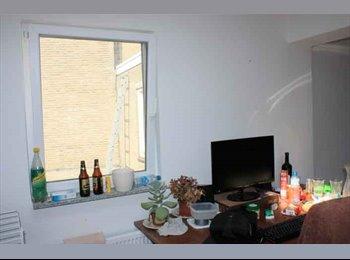 EasyKamer NL - Te huur 2 kamers in het centrum van Enschede €350,- All-in - Enschede, Enschede - € 350 p.m.