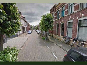 EasyKamer NL - Ruime lichte kamer in Enschede €290,- All-in - Enschede, Enschede - € 290 p.m.