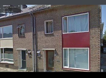 EasyKamer NL - Mooie kamer in studenten huis, Heerlen - € 325 p.m.