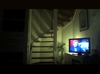 EasyKamer NL - Te huur zolderkamer - Huisgenoot gezocht , Nijmegen - € 500 p.m.