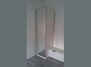 EasyKamer NL - 2 Rooms available/ Zaandam Centrum/City Center > 10 min from Amstterdam Central station, Amsterdam - € 450 p.m.
