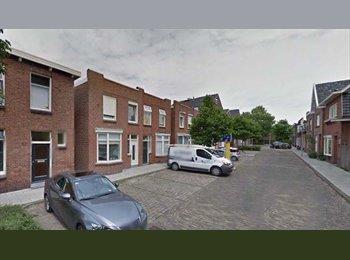 EasyKamer NL - Te huur lichte kamer nabij centrum Enschede €220,- All-in.  - Enschede, Enschede - € 220 p.m.
