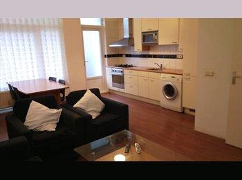 EasyKamer NL - SUPER LUXE woning met meubels en mooi tuin. Direct te huur - Hillesluis, Rotterdam - € 590 p.m.