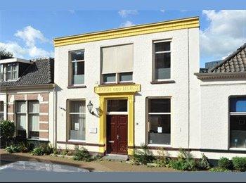 EasyKamer NL - Te huur gemeubileerde kamers centrum Almelo €430,- All-in. , Almelo - € 430 p.m.