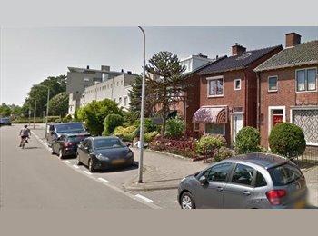 EasyKamer NL - Te huur gemeubileerde kamer in Enschede €575,- All-in incl. diner.  - Enschede, Enschede - € 575 p.m.