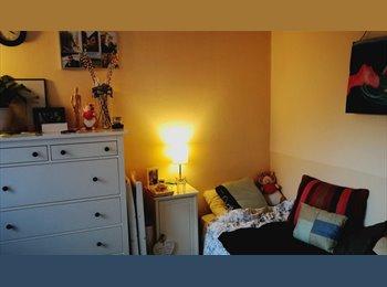 EasyKamer NL - mooie kamer op de begane grond, Heerlen - € 291 p.m.