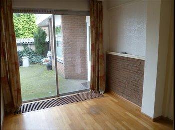 EasyKamer NL - mooie kamer in studentenhuis, Heerlen - € 291 p.m.