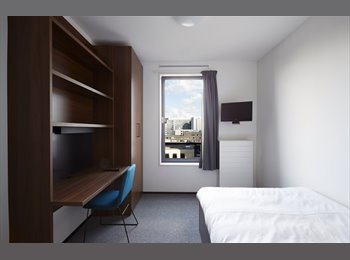 EasyKamer NL - Fully-Furnished Panorama Executive Room at The Student Hotel *for students only*, Amsterdam - € 970 p.m.