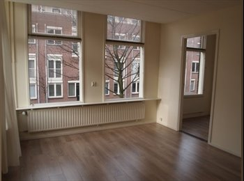 EasyKamer NL - Nice 3 rooms apartment with big windows for rent in Delft, Delft - € 895 p.m.