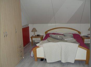 EasyKamer NL - te huur gemeubileerde kamer, Almere - € 380 p.m.