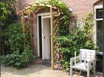 EasyKamer NL - Beautiful maisonnette at the Warmoezierstraat, Delft, Delft - € 895 p.m.