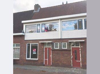 EasyKamer NL - Vernieuwbouwde ruime studio 2 x 50m2, Breda - € 850 p.m.