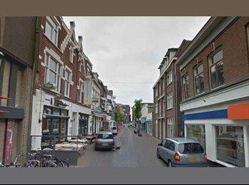 EasyKamer NL - Te huur kamer in het centrum van Enschede €365,- All-in, Enschede - € 365 p.m.