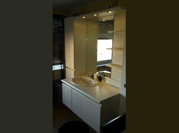 EasyKamer NL - mooie  grote kamer, Heerlen - € 326 p.m.