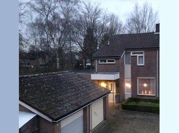 EasyKamer NL - Rustige gemeubileerde kamer te huur, Eindhoven - € 375 p.m.