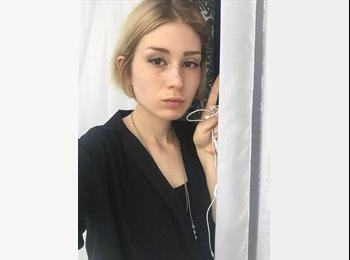 Catherine - 19 - Student