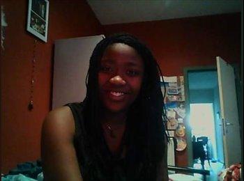 Brenda - 21 - Student