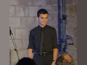 Dimitris   - 18 - Student