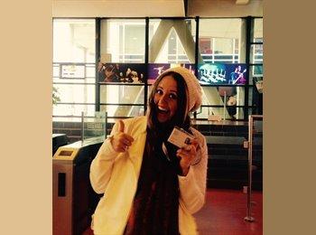 Abigail Diez - 23 - Student