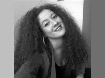 Valentina - 25 - Student