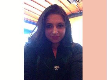 Madalina Oprea - 19 - Student