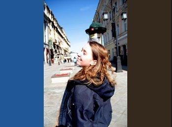 Anna - 19 - Student
